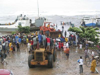 Port d'Antalaha, le samedi 6 mars à 16 heures