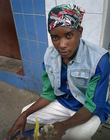Vendeur de ballons et autres articles à 1000 francs malgaches